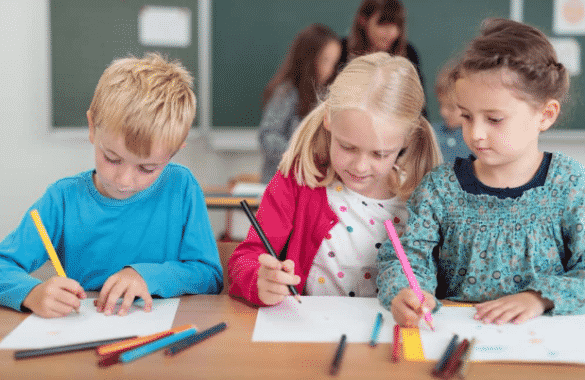 Perbedaan Kata Student Dan Pupil Beserta Contohnya