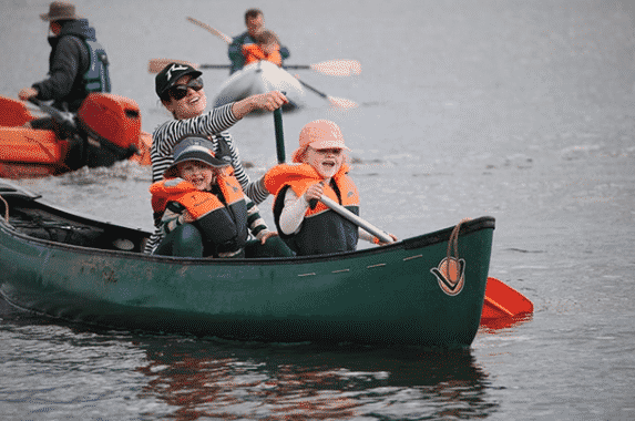 Push The Boat Out: Pengertian Dan Contoh Kalimatnya Dalam Bahasa Inggris