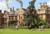Perbedaan College Dan University Lengkap Beserta Contoh Kalimatnya